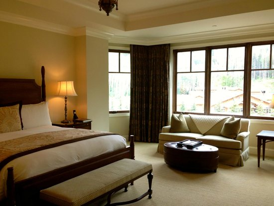 Montage Deer Valley: Spacious room with a bay window that opened up for great breezes