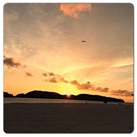ميريتوس بيلانجي بيتش ريزورت آند سبا، لانجكاوي: Beautiful sunset!!!
