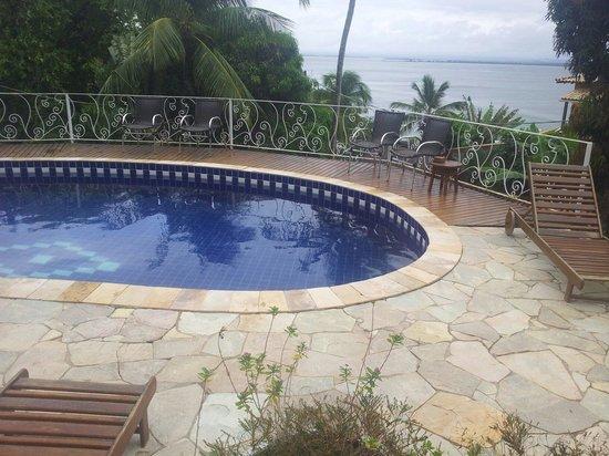Hotel Pousada Natureza: Piscina com vista para o mar, onde podemos acompanhar um lindo pir do sol