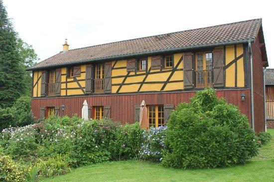 Futeau, Frankrike: vue du paec sur les chambres