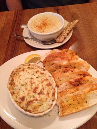 Freemason Abbey Restaurant: Crab dip & the best she-crab soup EVER.