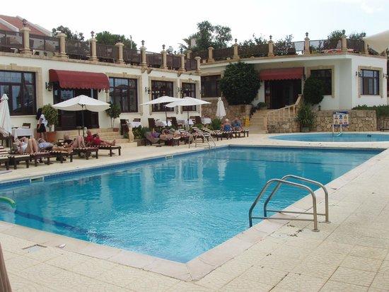 Bellapais Monastery Village: Pool