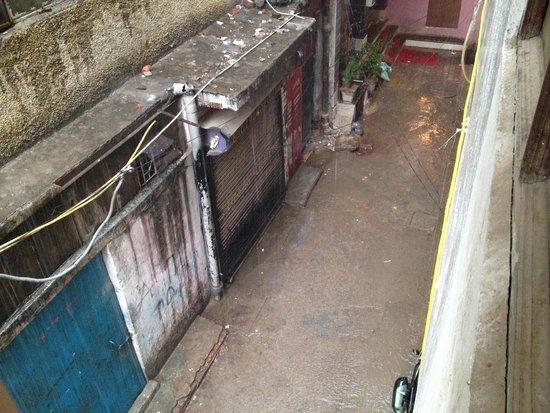 Hotel Amax Inn: Vistas al callejón