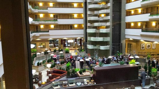 Emby Suites By Hilton Hotel Des Moines Downtown Lobby