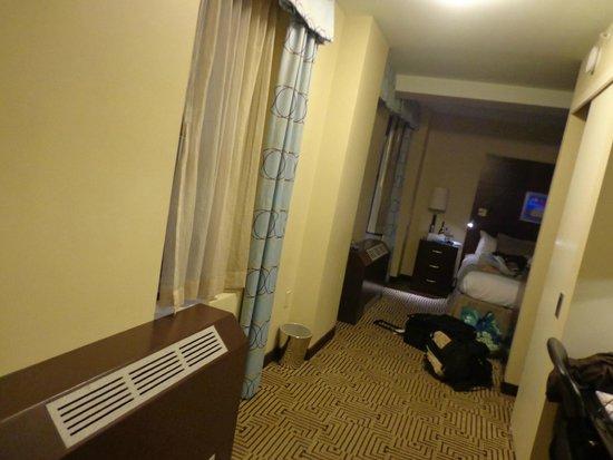 Hotel Mela: Big Room!
