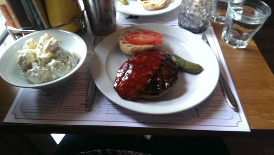 Dognvill Burger: Chili Rib Burger with Potato Salad
