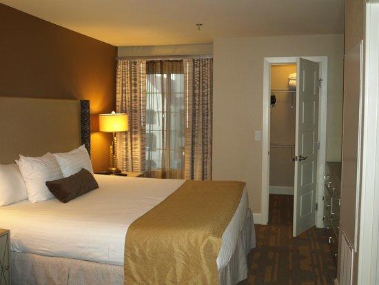 Holiday Inn Club Vacations At Desert Club Resort : Bedroom