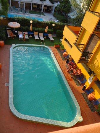 Royal palace hotel montecatini terme italie voir les - Piscine termali montecatini ...