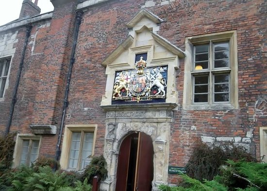 Walking Tours - Association of Voluntary Guides: the King's Manor