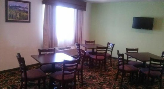 Baymont Inn & Suites Montrose: Breakfast Area