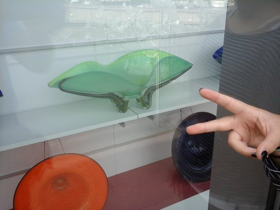 Museum of Glass: display shop