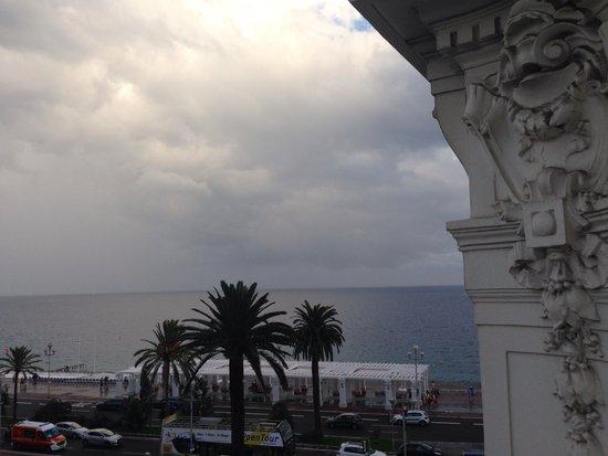 فندق نغرسكو: Partial sea/garden view from our balcony