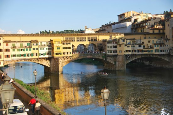 Hotel Berchielli: Ponte Vecchio view from room