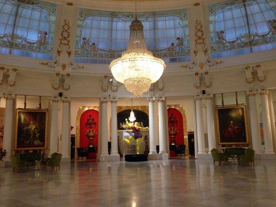 فندق نغرسكو: Lobby