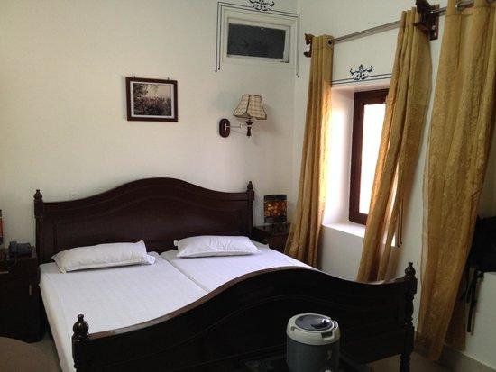 Hotel Bharat Villas : Habitación doble con AC