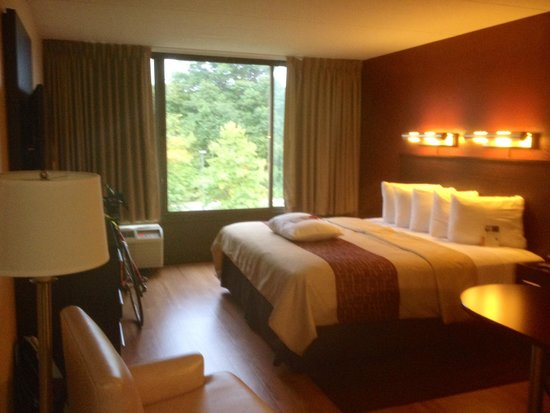 Red Roof PLUS+ Boston - Woburn: Room 420