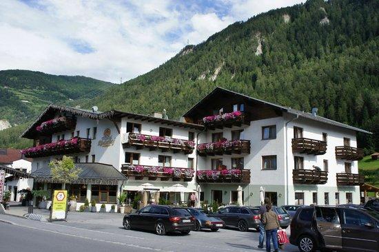 Hotel Riederhof: voorzicht hotel