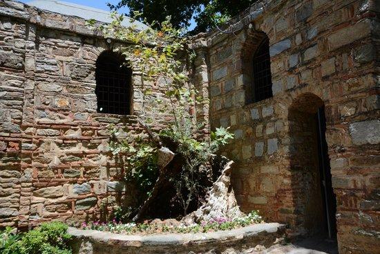 Helliantus Anatolia Tours: House of the Virgin Mary