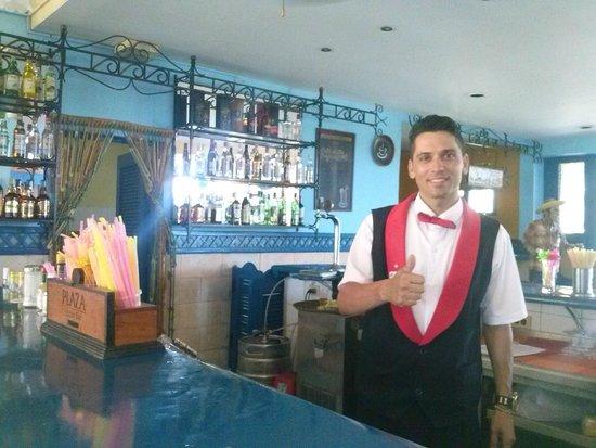 Hotel Roc Barlovento: Uno de los mejores camareros