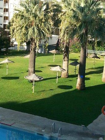 Hotel San Fermin : zona de piscina