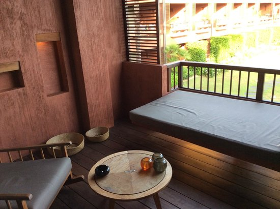 Hansar Samui Resort : rincón terraza