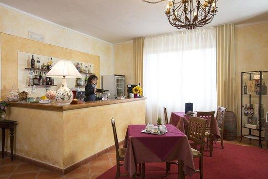 La Loggia - Villa Gloria: lounge bar