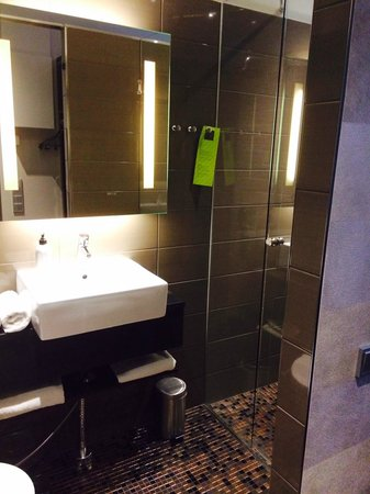 GLO Hotel Kluuvi Helsinki : Bathroom