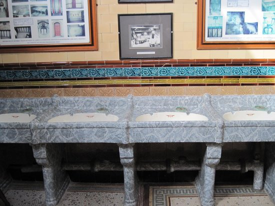 Rothesay's Victorian Toilets: Wash Basins