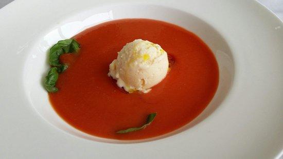 Pont Vell: Helado casero se nota en la textura...realmente tiene sabor a queso.