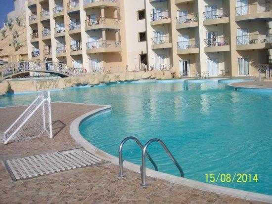 King Tut Aqua Park Beach Resort: Бассейн