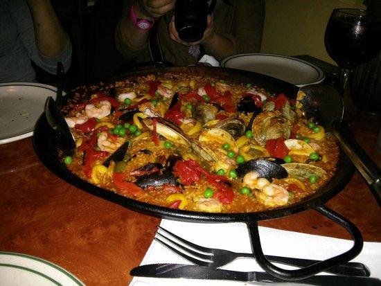 Sangria 46: Ottima paella di pesce