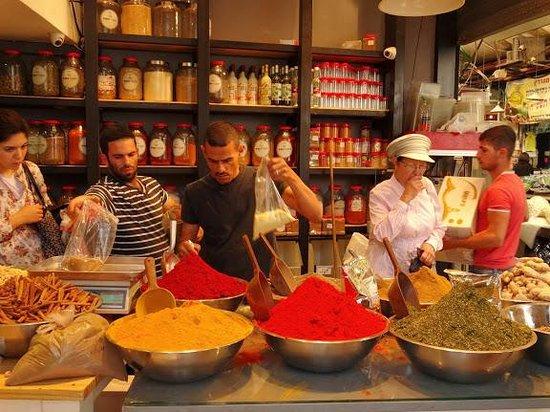Mahane Yehuda Market: marchand d'epices