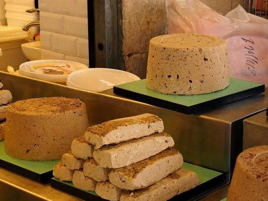 Mahane Yehuda Market: Halwa delicieuse