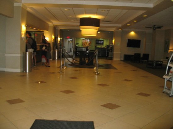 Holiday Inn & Suites Across from Universal Orlando : Reception Area
