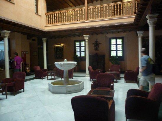 NH Granada Centro: Lobby