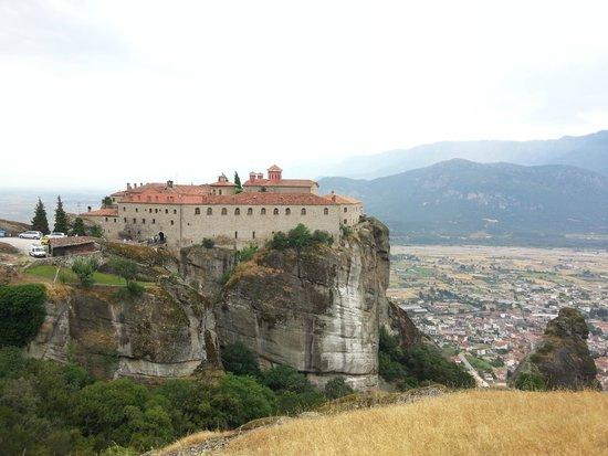 Agios Stefanos : Монастырь