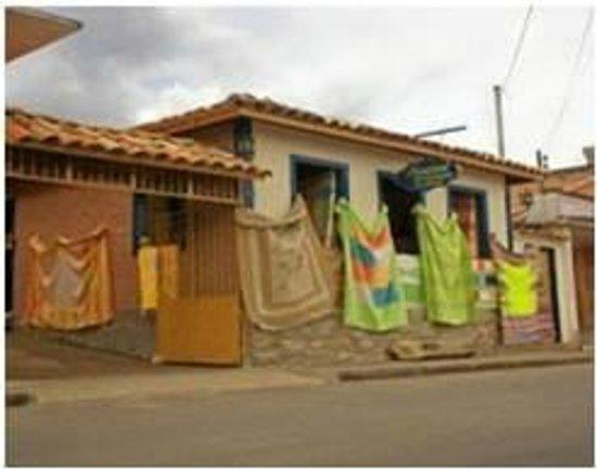 Aparador Franco Furniture ~ Artesanato em Tiradentes fotografía de Ag u00eancia de Turismo Estrada Real, Tiradentes TripAdvisor