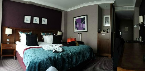 Crowne Plaza London-Gatwick Airport: Our club room