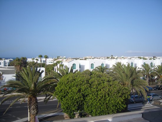 Oceano Apartments: veiw from our room