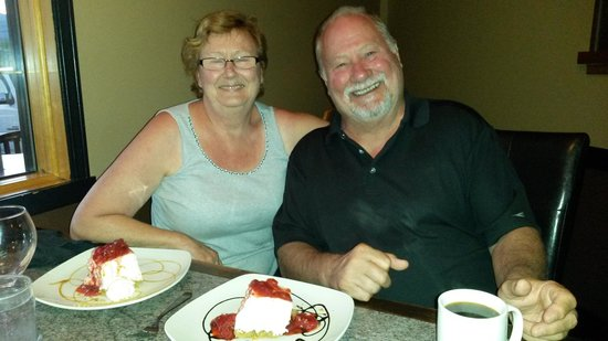 The Turning Point Restaurant: Best cheese cake ever!