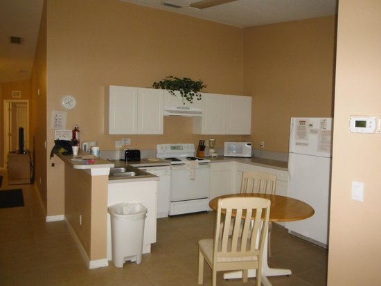 Grand Palms: kitchen