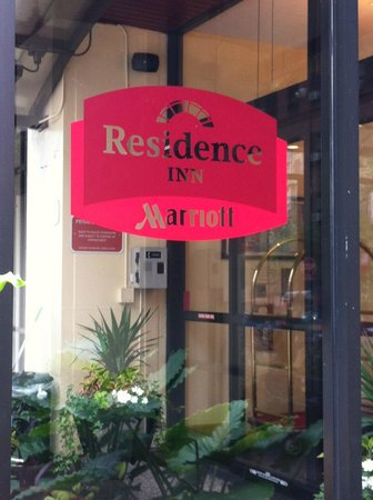 Residence Inn Chicago Downtown/Magnificent Mile : Frente do Hotel