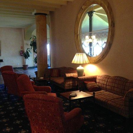 Hotel La Vega: Salas comunes confortables