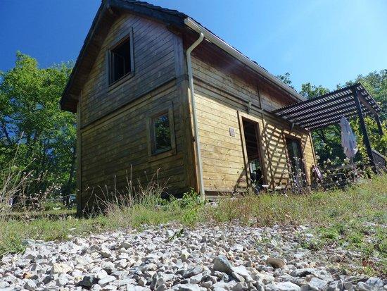 Ecologites - Le Bois de Faral : le côté sud ouest et sa terrasse