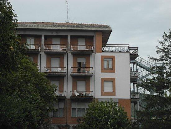 Hotel Columbia: Hotel vista parcheggio non  costudito