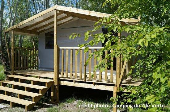 La piscine couverte picture of camping de l 39 ile verte for Camping ile de france avec piscine couverte