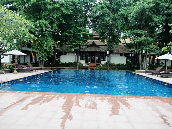 Sibsan Luxury Hotel Rimping Chiangmai : สระน้ำ / ห้องฟิตเนส