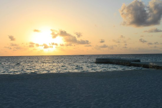 VOI Maayafushi Resort: SUNSET