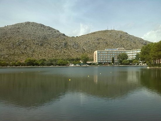 BelleVue Lagomonte : view from the other side of the lake