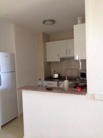 Ba Bonaire Style Apartments: Kitchen